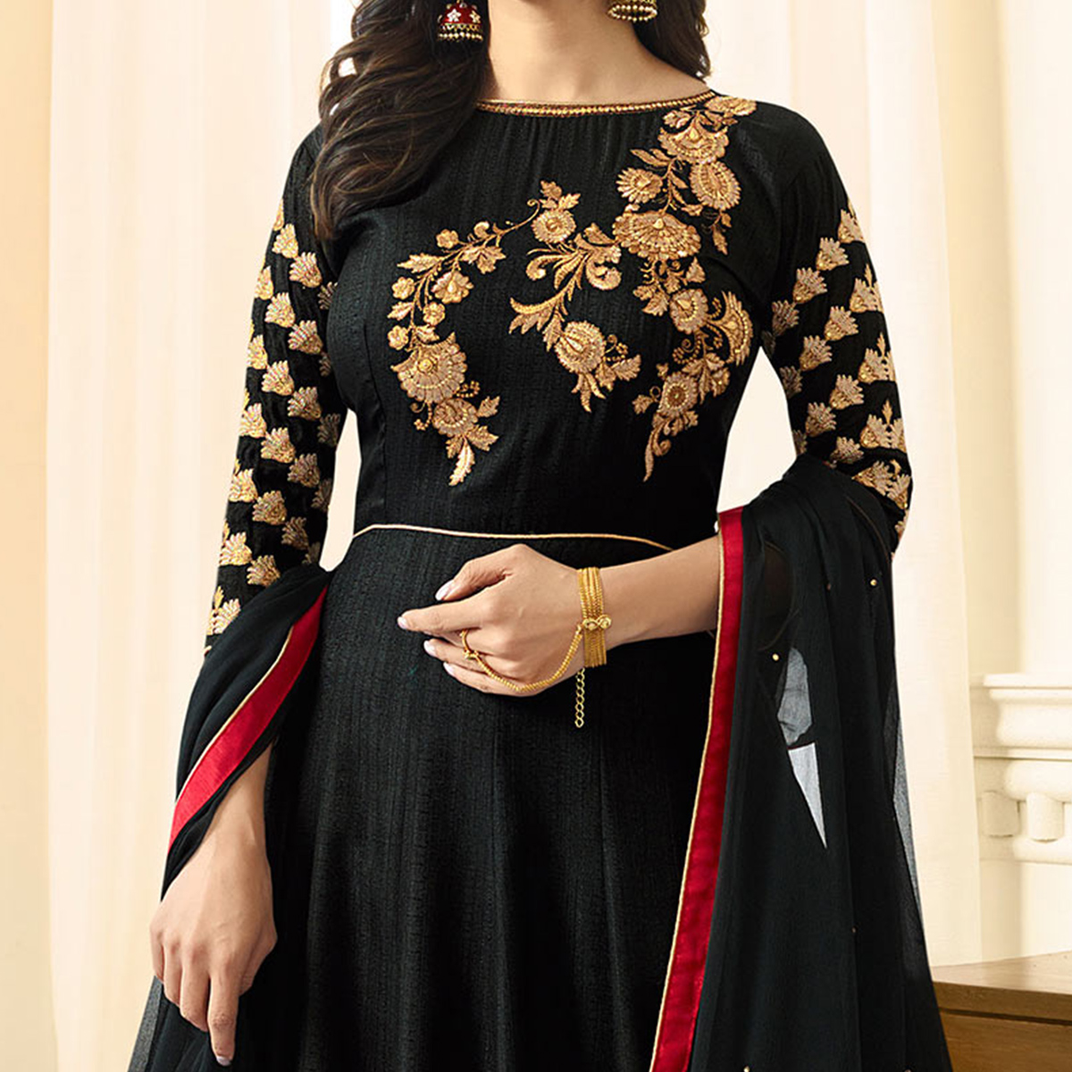 Bold Black Colored Designer Partywear Suit
