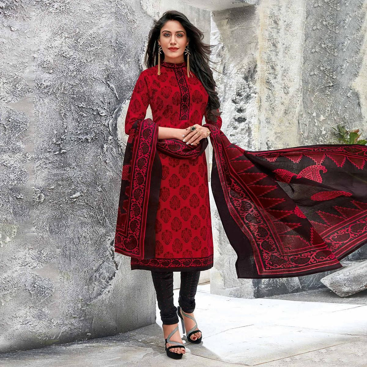 Red-Black Colored Casual Wear Printed Jetpur Cotton Dress Material