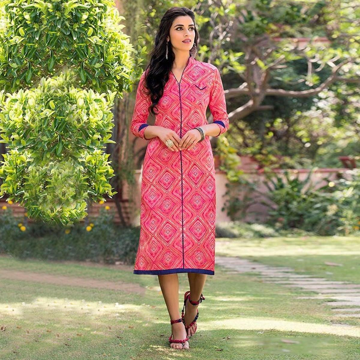 Pink Cotton Casual Wear Printed Kurti