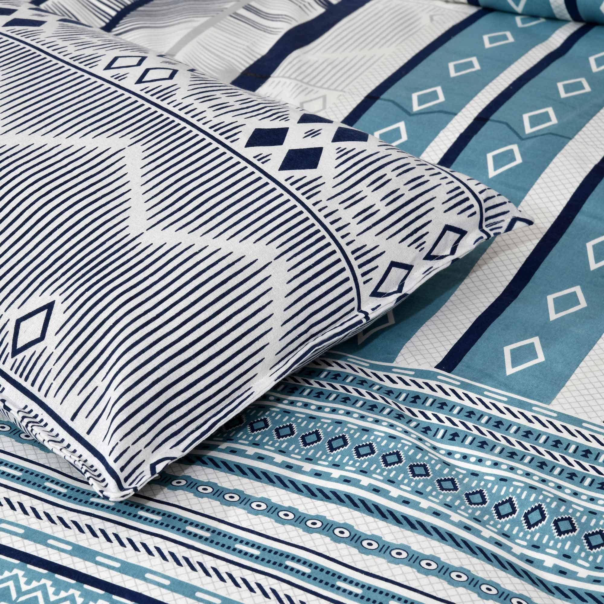 Jaipur Fabric Multi Design White & Blue Small Checkered Border Cotton Double Bedsheet With Two Pillow Cover