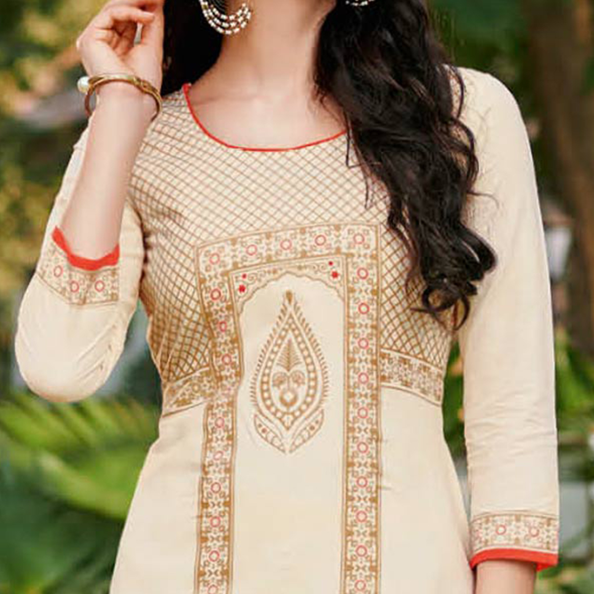 Simple Cream Colored Casual Printed Jetpur Cotton Kurti