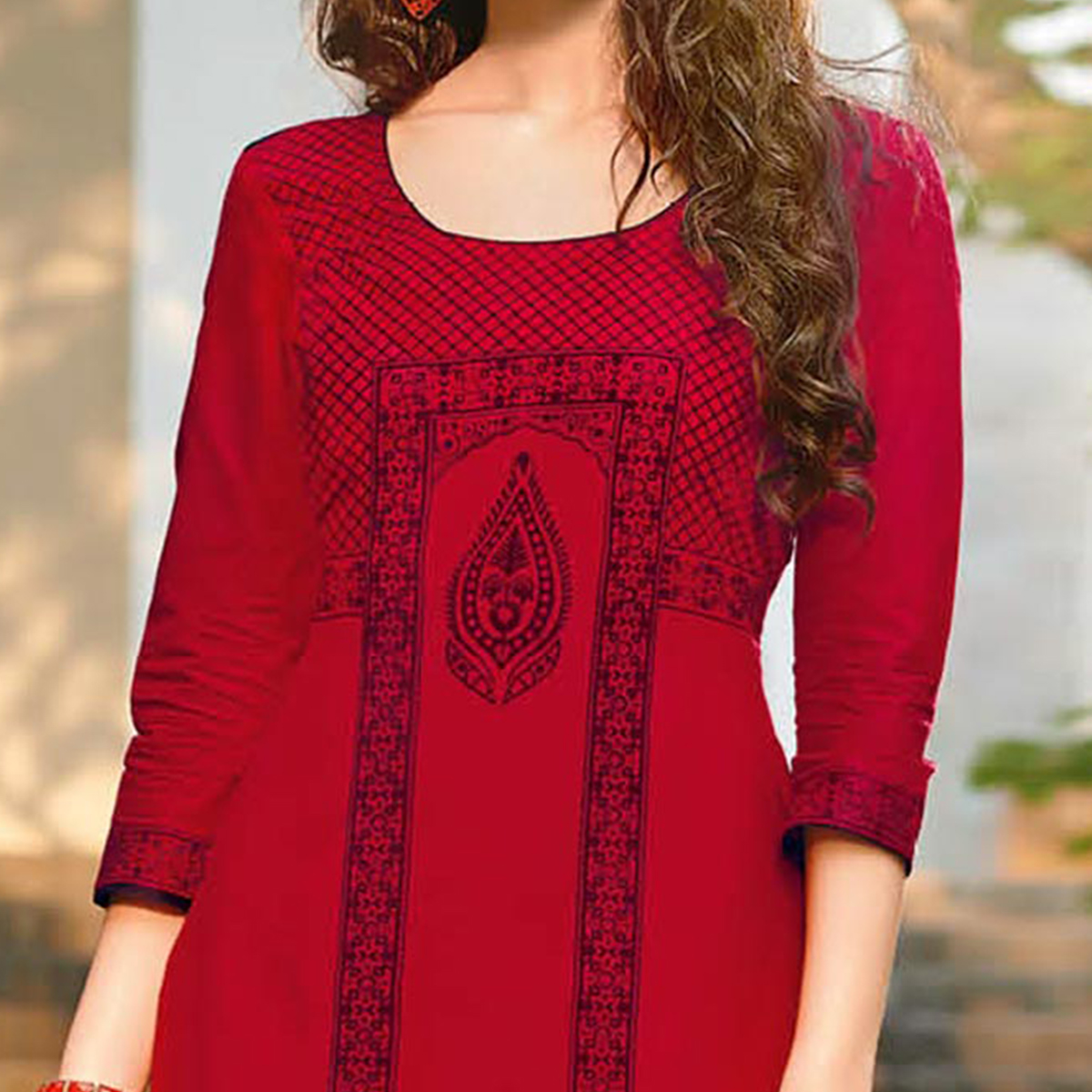 Attractive Maroon Colored Casual Printed Jetpur Cotton Kurti