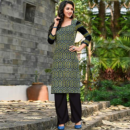 Glorious Black Colored Casual Printed Jetpur Cotton Kurti