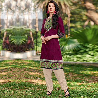Glowing Magenta Colored Casual Printed Jetpur Cotton Kurti