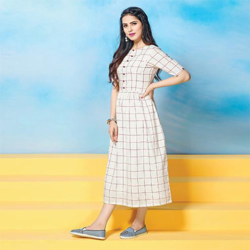Awesome White Colored Plaid Cotton Kurti