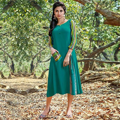 Precious Teal Green Colored Casual Printed Rayon-Cotton Kurti
