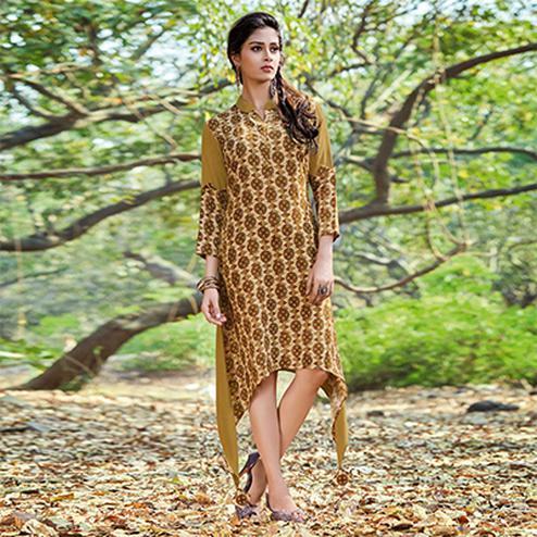 Ravishing Yellow Colored Casual Printed Rayon-Cotton Kurti