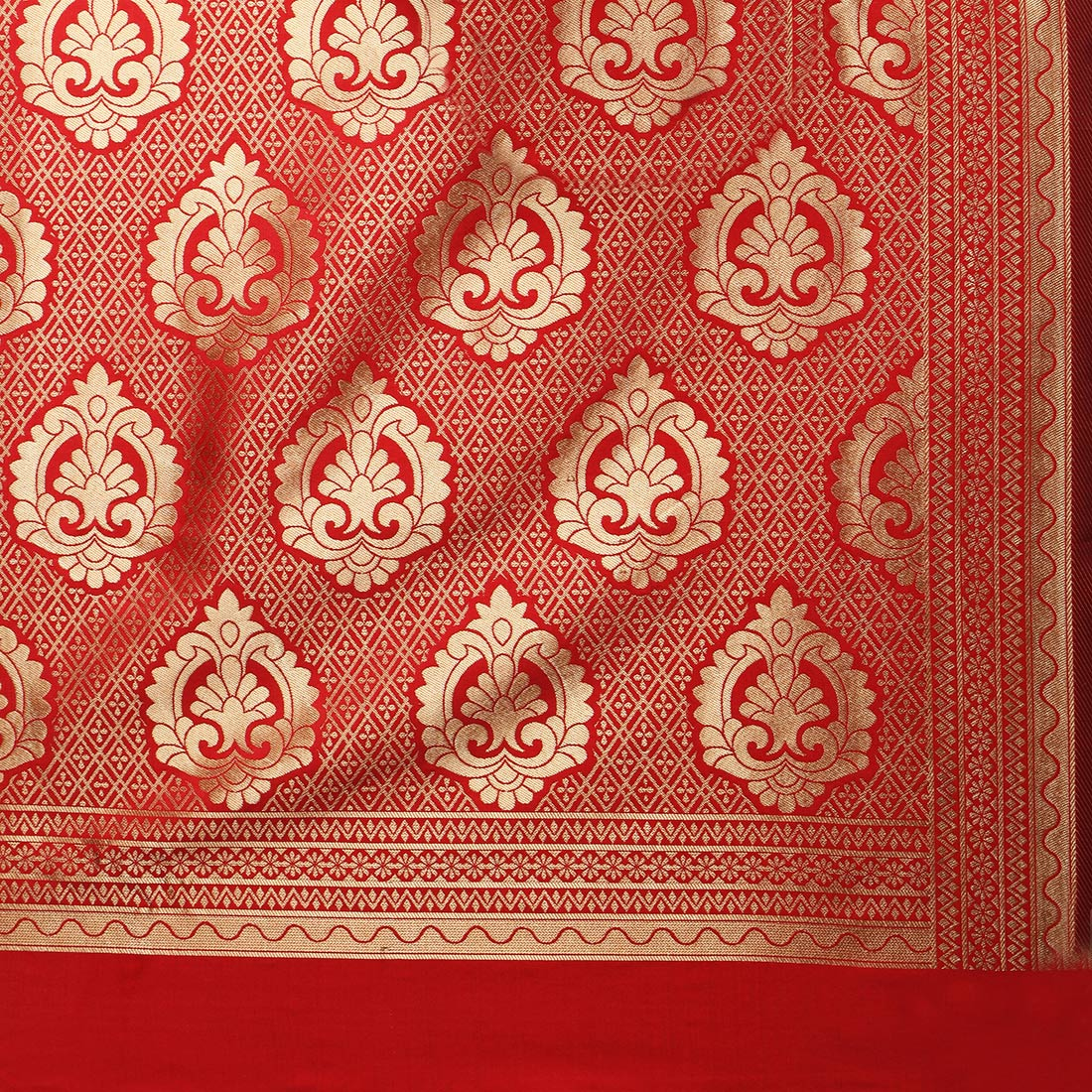 Exotic Red Colored Festive Wear Woven Banarasi Art Silk Saree