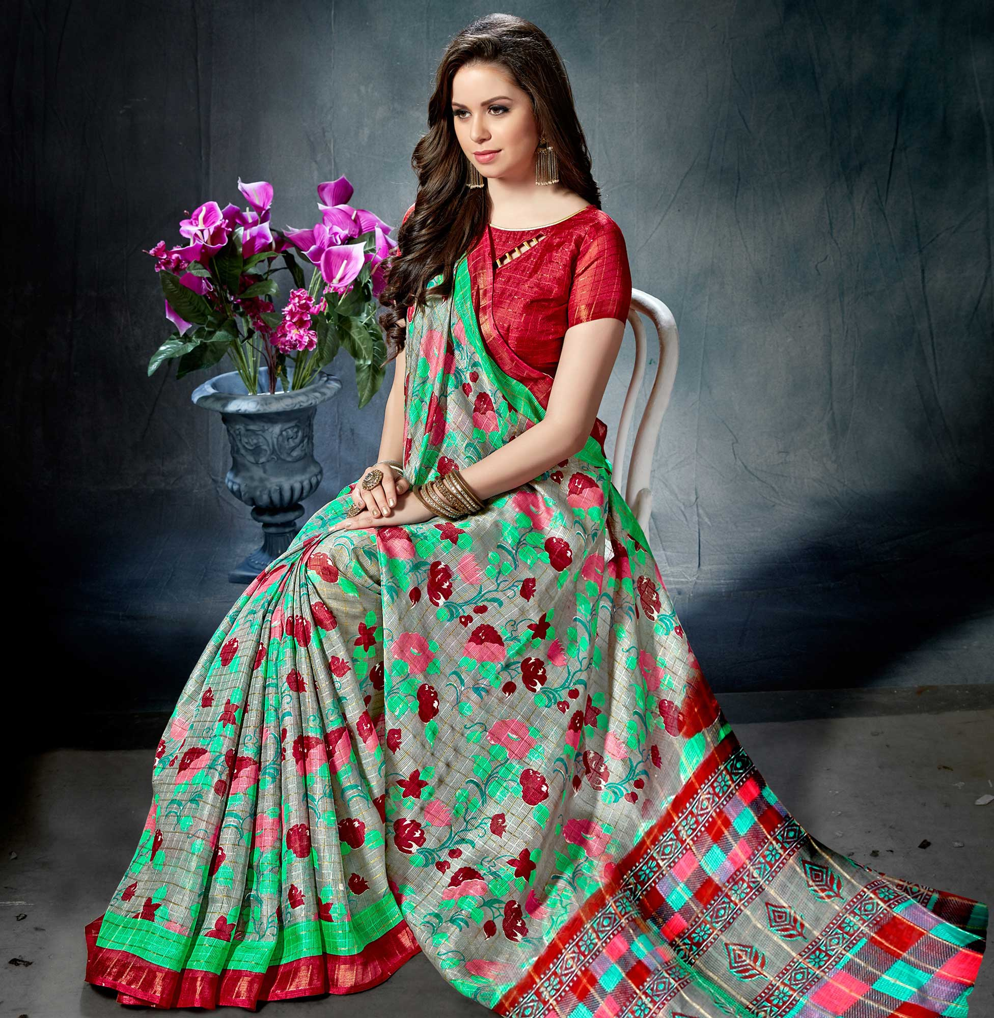 Modern Grey-Red Colored Casual Printed Saree