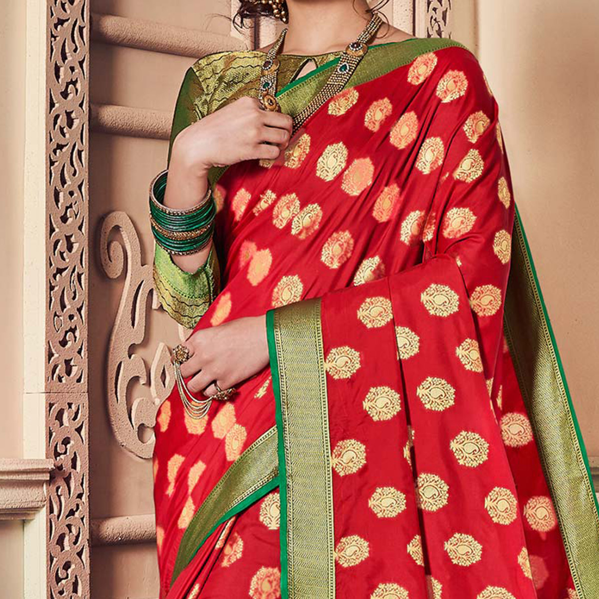 Arresting Red Colored Festive Wear Weaving Work Handloom Silk Saree