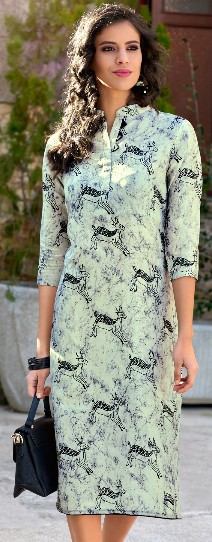 Mesmerising Off-White Colored  Printed Cotton Kurti