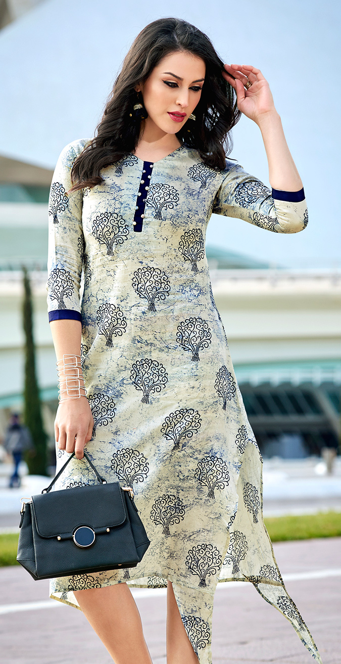 Mesmerising Off-White Colored Casual Wear Printed Cotton Kurti