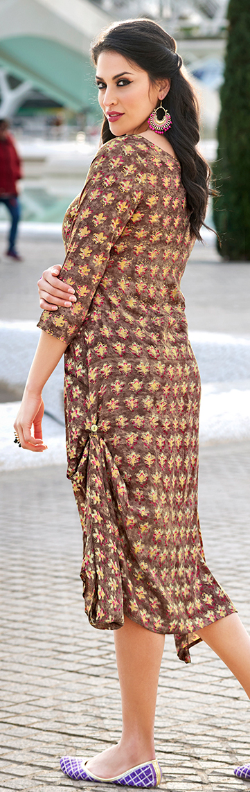 Adorning Brown Colored Casual Wear Printed Cotton Kurti