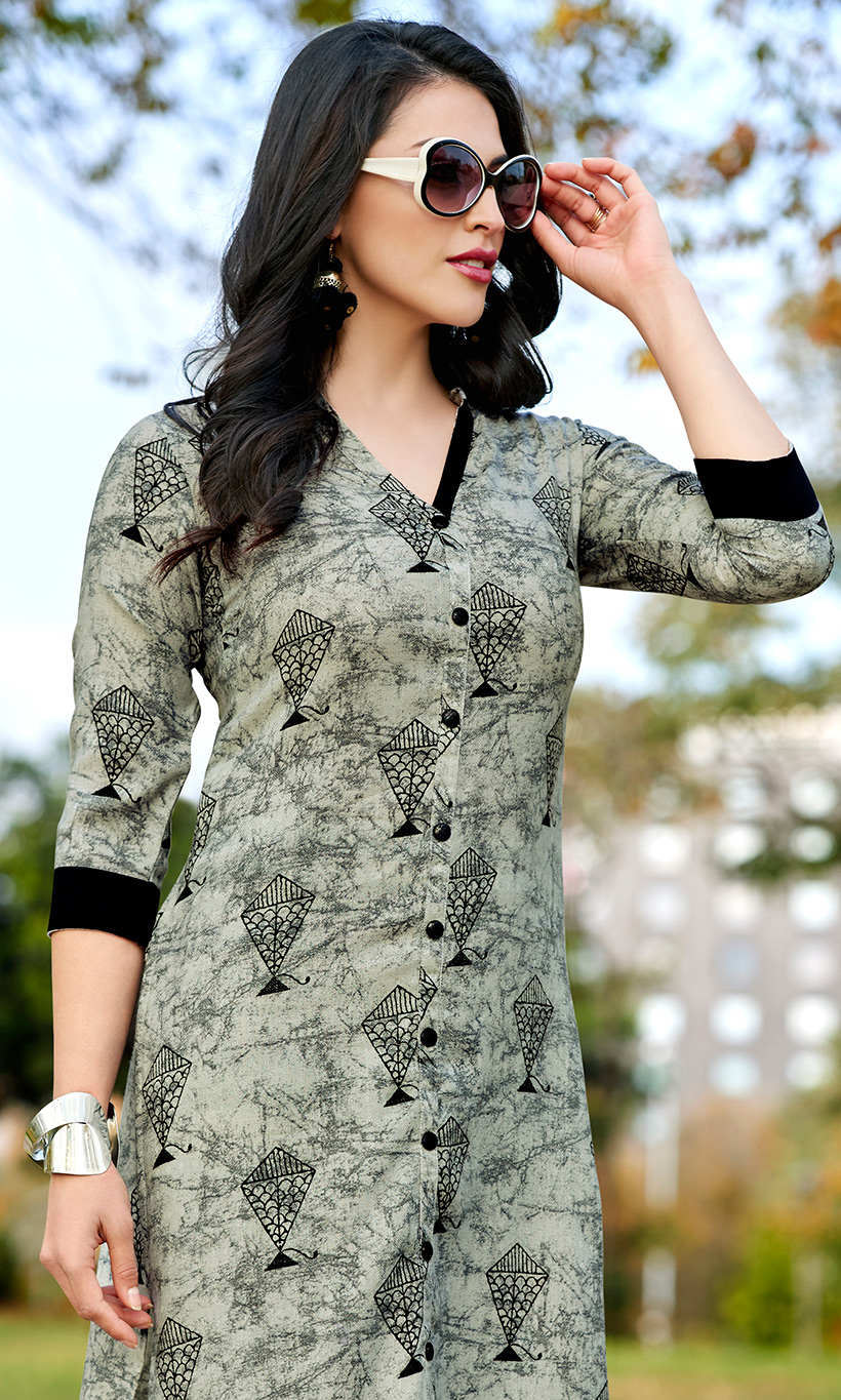 Majesty Light Grey Colored Casual Wear Printed Cotton Kurti