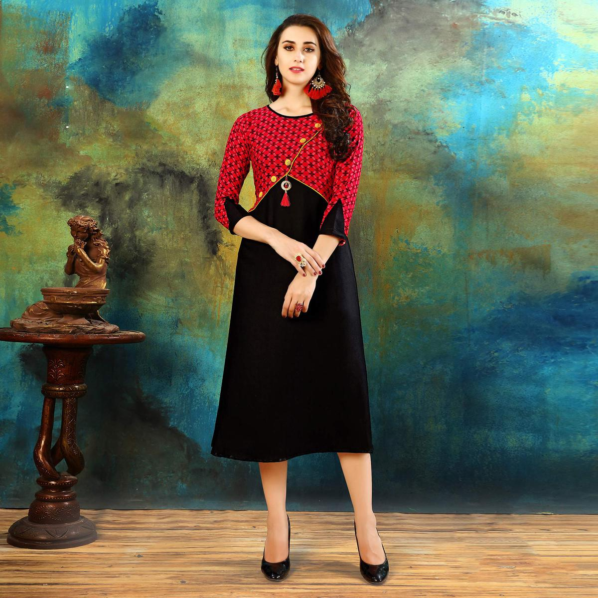 Adorable Red-Black Colored Casual Printed Rayon Cotton Kurti