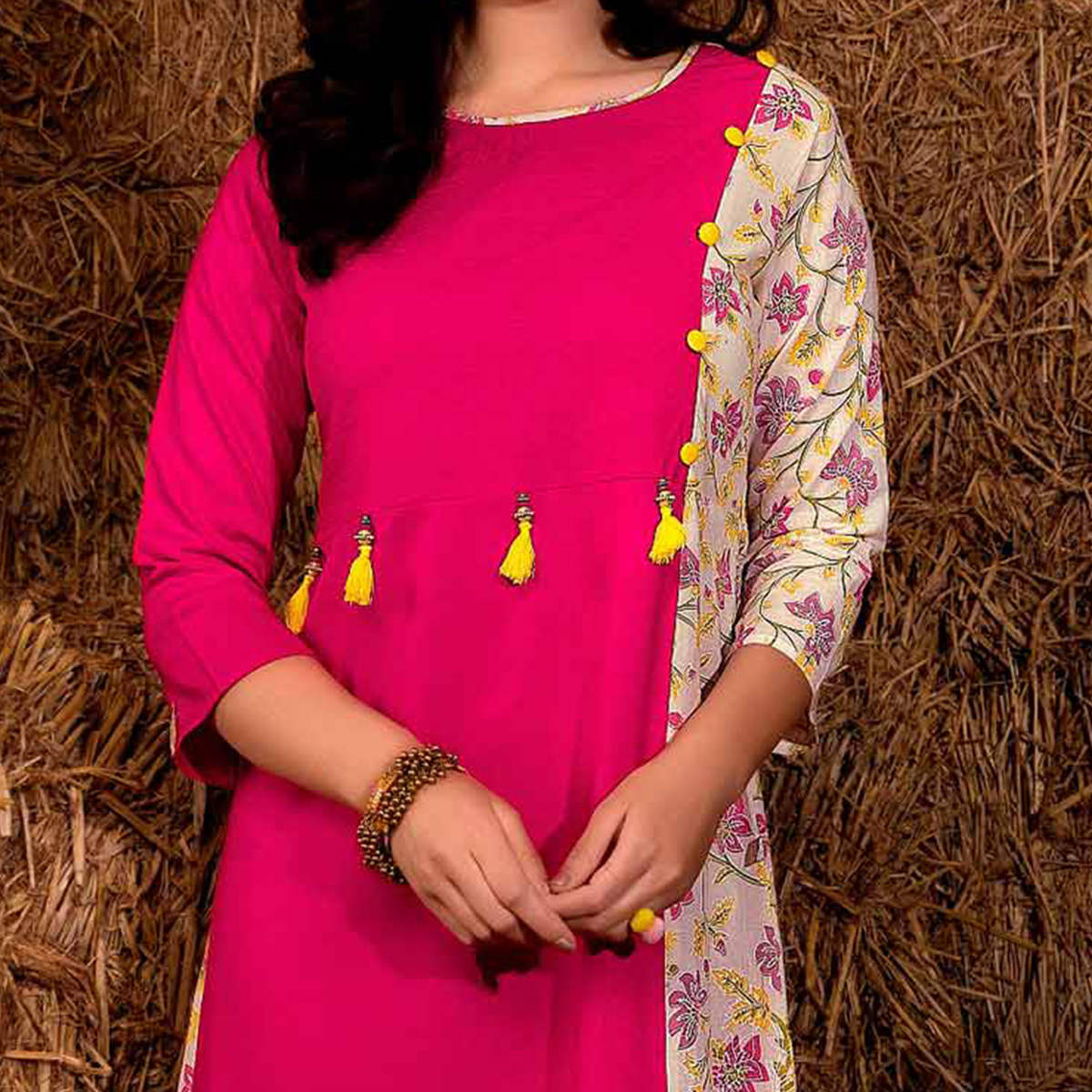 Graceful Pink Colored Casual Printed Rayon Cotton Kurti