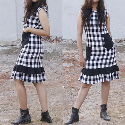 Evergreen Black-White Colored Checked Cotton Tunic