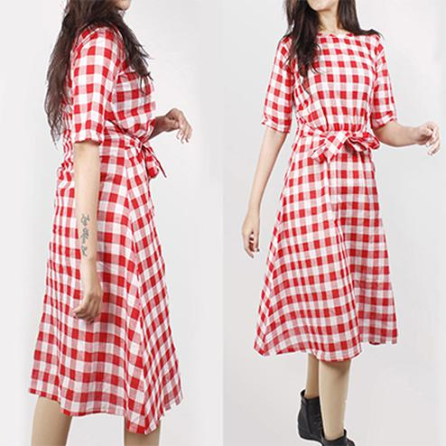 Glorious Red Colored Checked Cotton Tunic