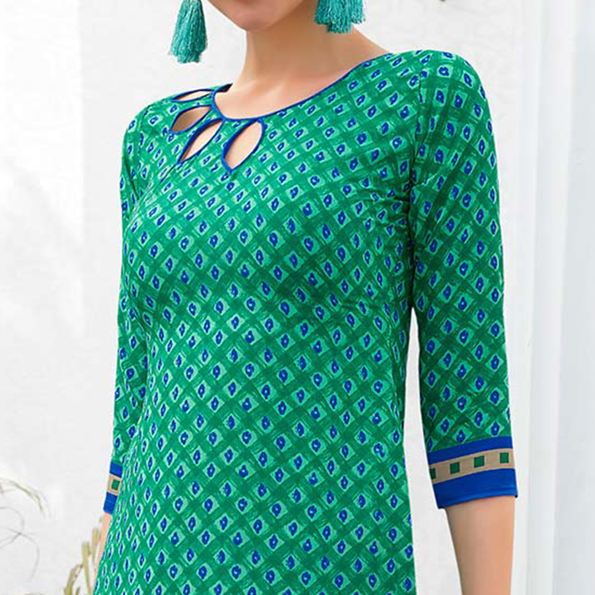 Turquoise Green Colored Casual Printed Leon Crepe Dress Material