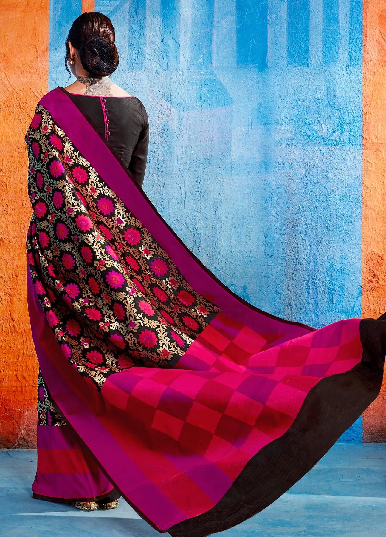 Marvellous Black-Pink Colored Festive Wear Handloom Silk Saree