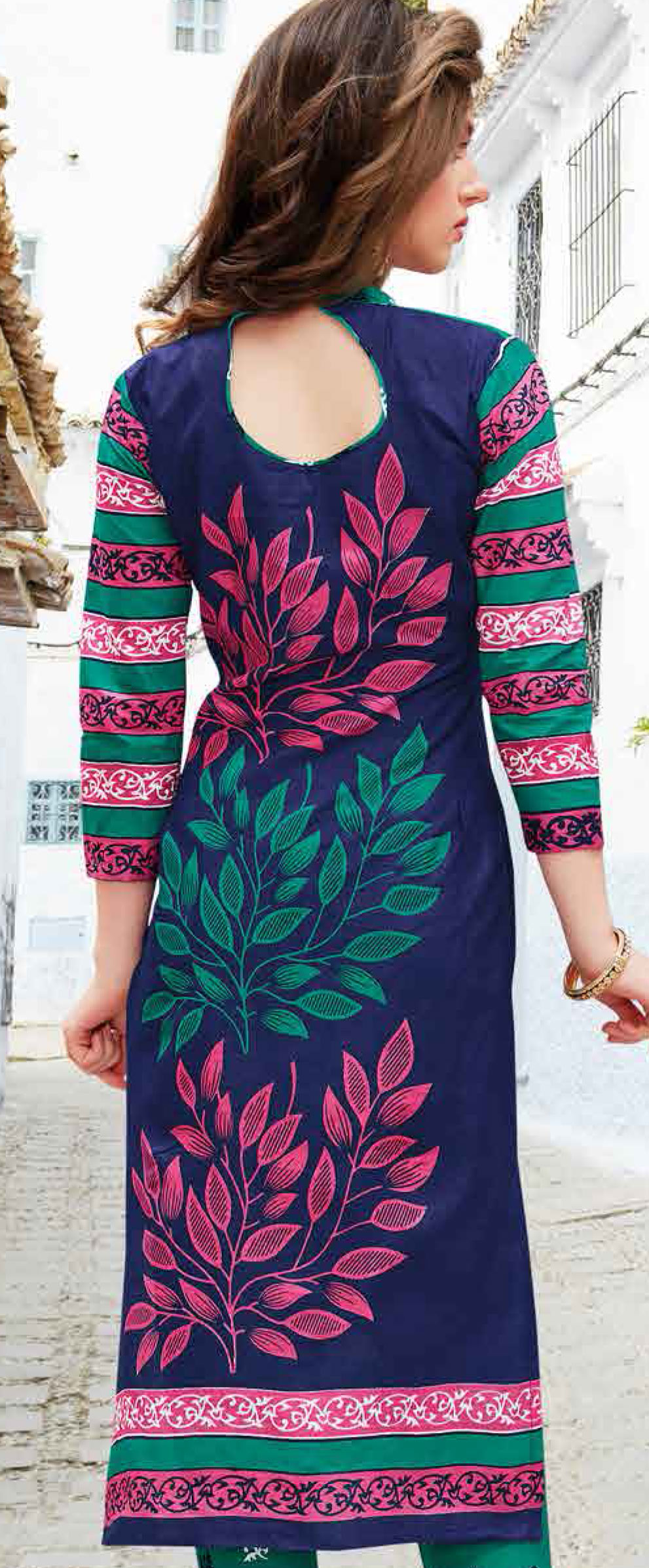 Green-Blue Colored Casual Wear Printed Pure Cotton Dress Material