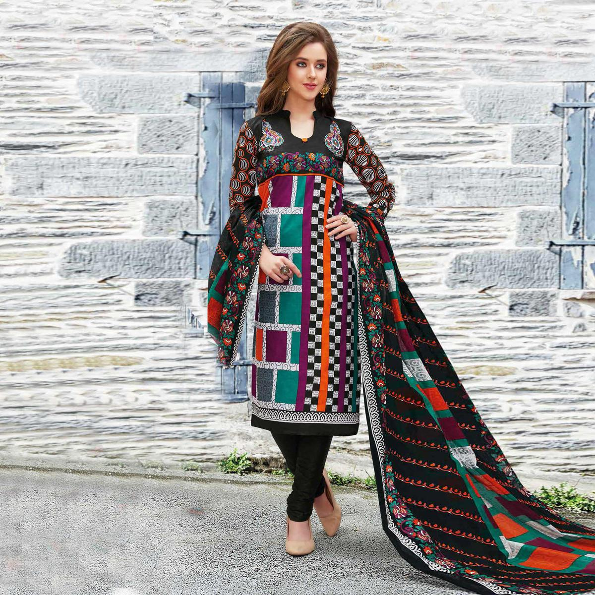 Turquoise-Black Colored Casual Wear Printed Pure Cotton Dress Material