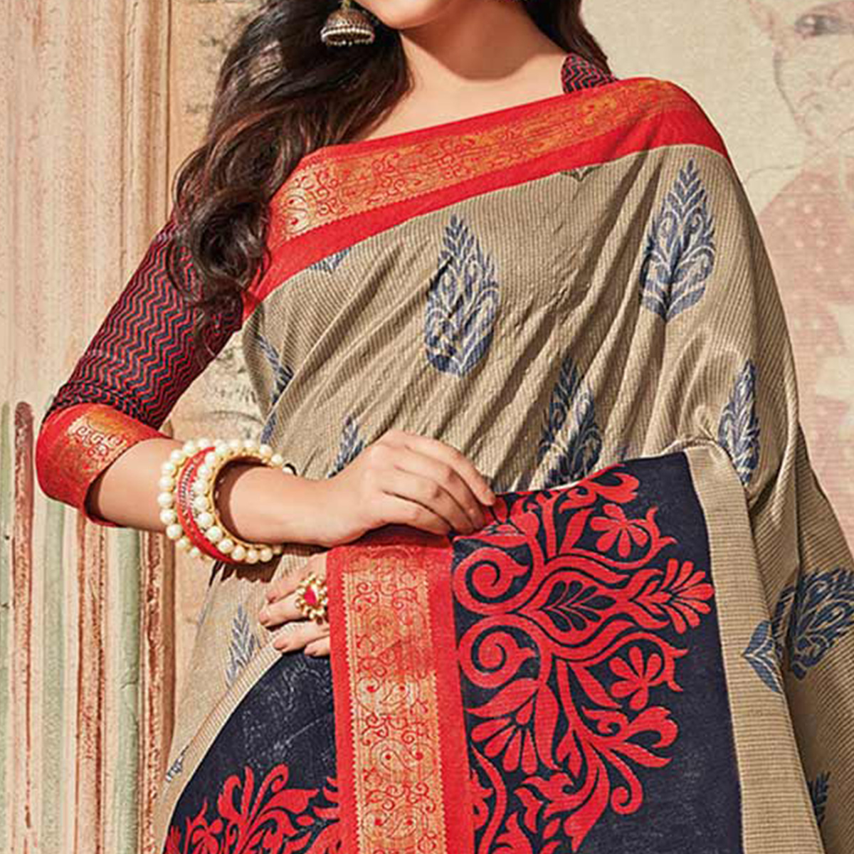 Grey & Red Colored Casual Wear Printed Art Silk Saree