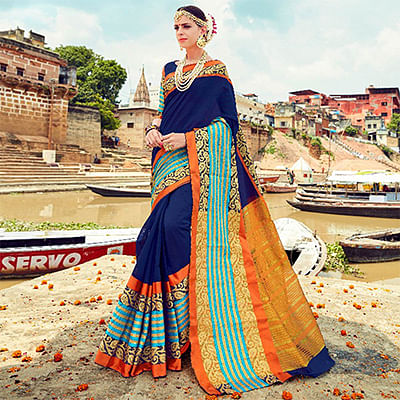 Mesmerising Navy Blue Colored Traditional Wear Handloom Silk Saree