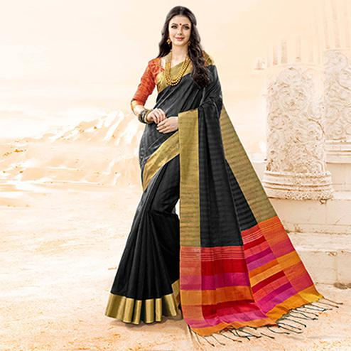 Capricious Black Colored Festive Wear Handloom Cotton Silk Saree