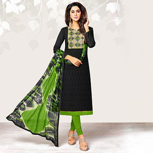 Arresting Black Colored Casual Jacquard Suit