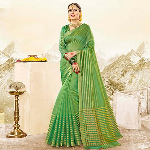 Adorning Green Colored Festive Wear Handloom Cotton Silk Saree