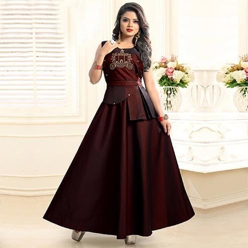 Hypnotic Maroon Colored Partywear Embroidered Twill Tapeta Gown