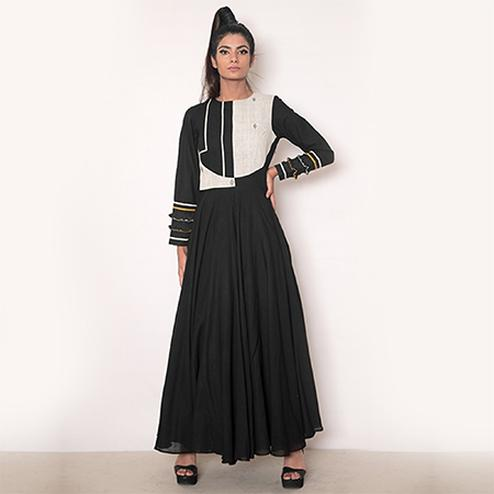 Bold Black Colored Partywear Fancy Rayon Kurti