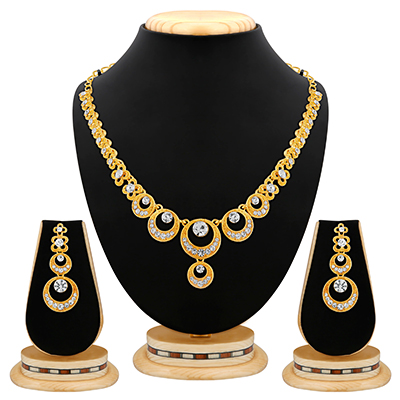 Excellent Diamond Gold Finish Necklace Set