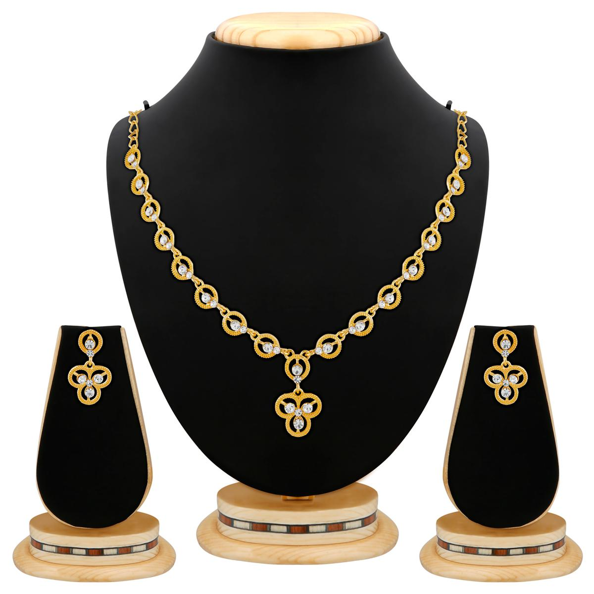 Attractive Diamond Design Gold Finishing Necklace Set