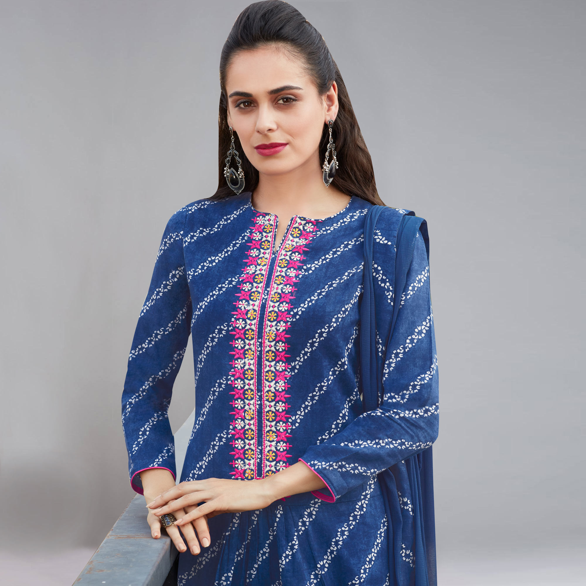 Stylish Blue Colored Casual Printed Cotton Salwar Suit