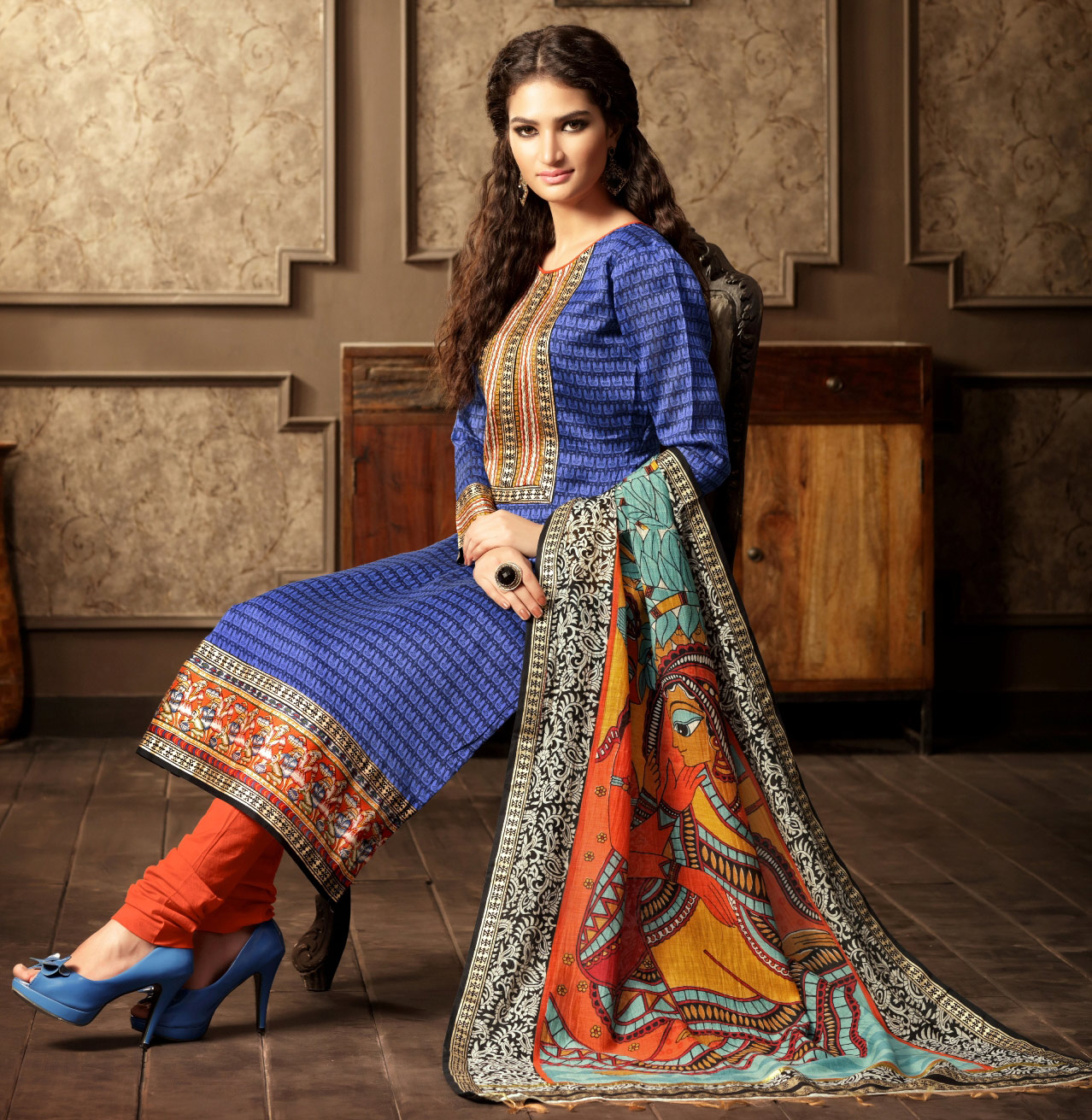 Demanding Blue Colored Casual Wear Printed Cotton Salwar Suit