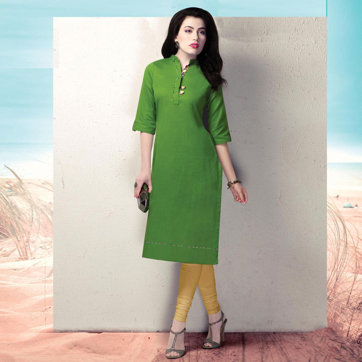 Refreshing Green Colored Casual Wear Cotton Kurti