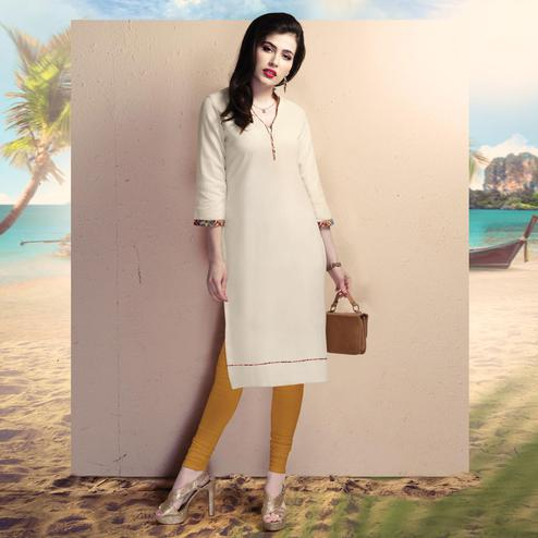 Gorgeous Off-White Colored Casual Wear Cotton Kurti