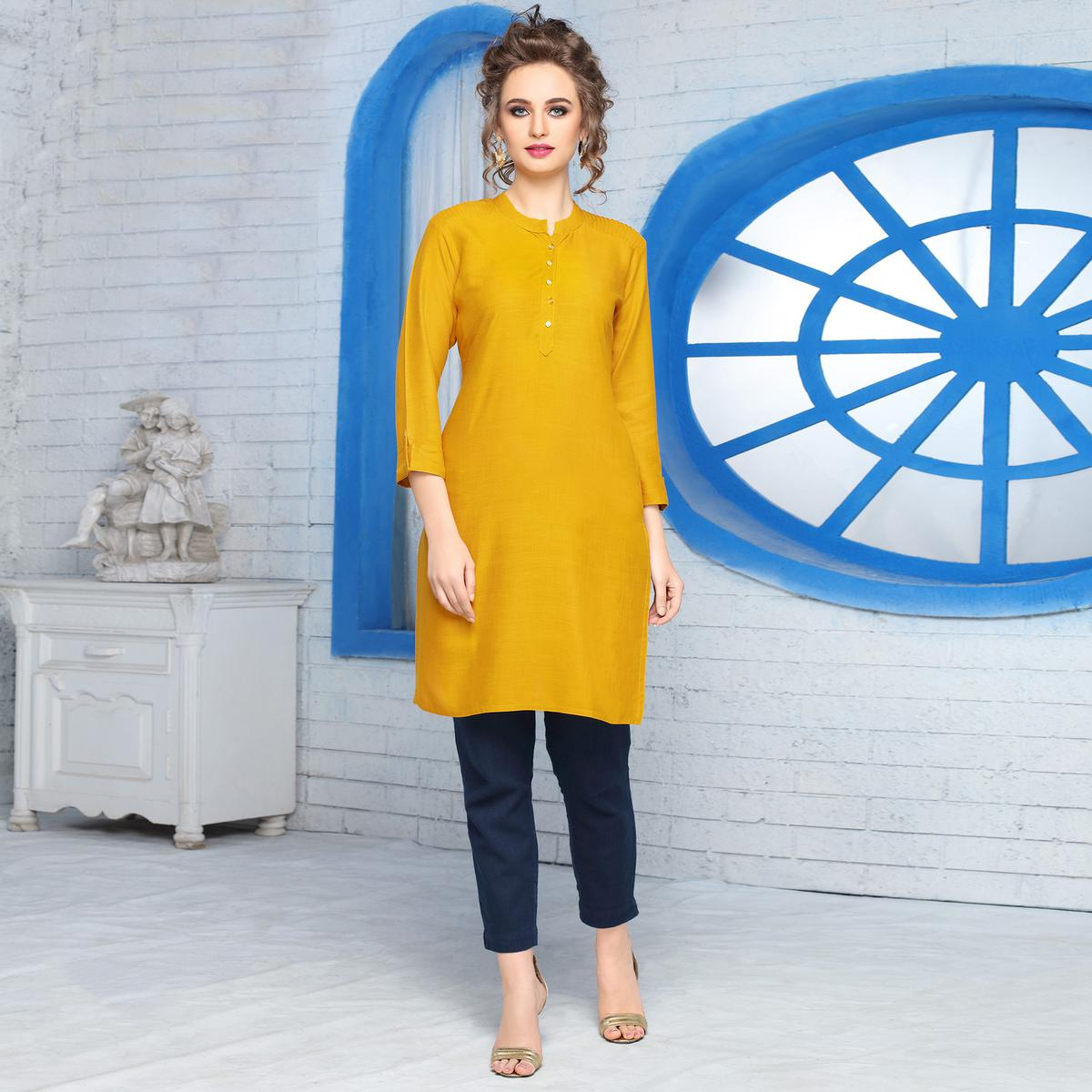 Lovely Yellow Colored Casual Wear Cotton Kurti