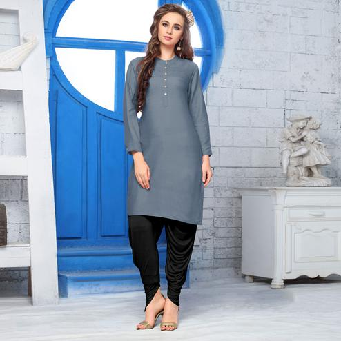 Desiring Gray Colored Casual Wear Cotton Kurti