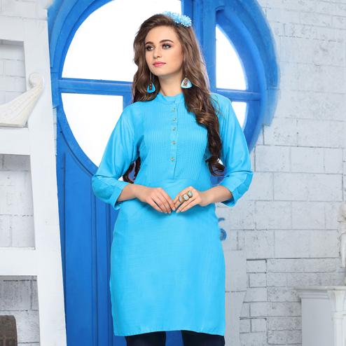 Glowing Sky Blue Colored Casual Wear Cotton Kurti