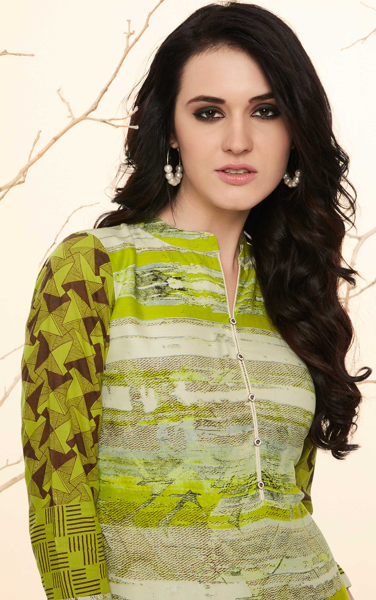Refreshing Green Colored Casual Wear Rayon Kurti-Palazzo Suit.