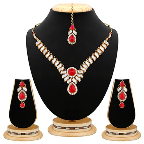 Gracefull Design Austrian Stone And Kundan Gold Finishing Necklace Set with Maang Tikaa
