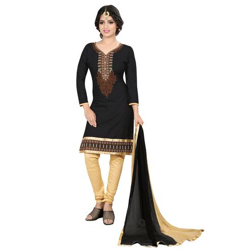 Ravishing Black Colored Casual Embroidered Cotton Suit