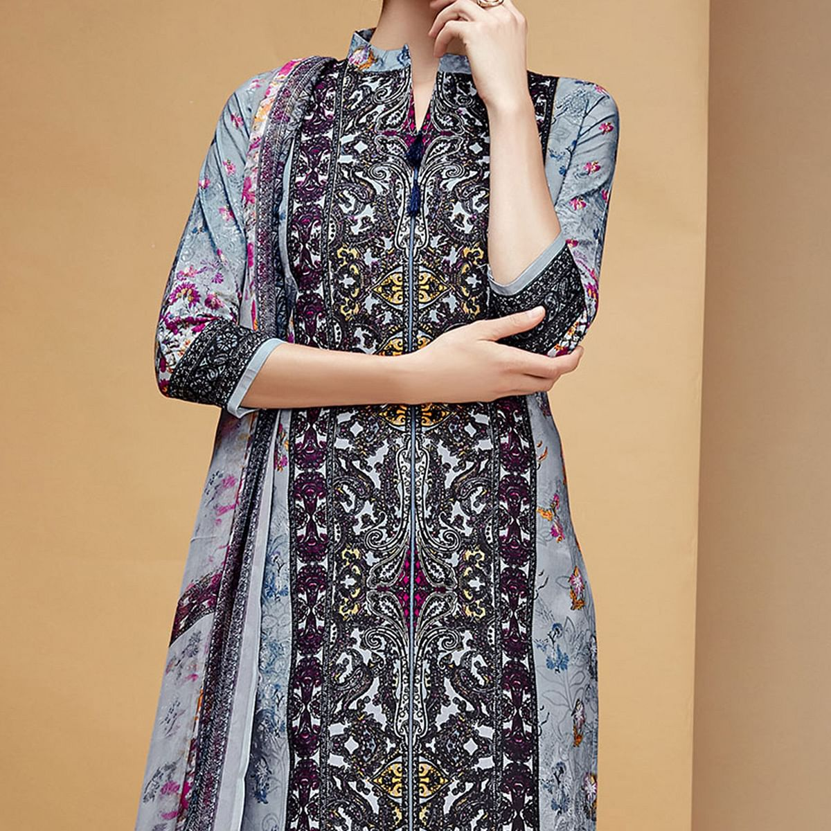 Demanding Gray Colored Casual Printed Cotton Dress Material