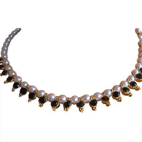Black Beads Pearl Necklace