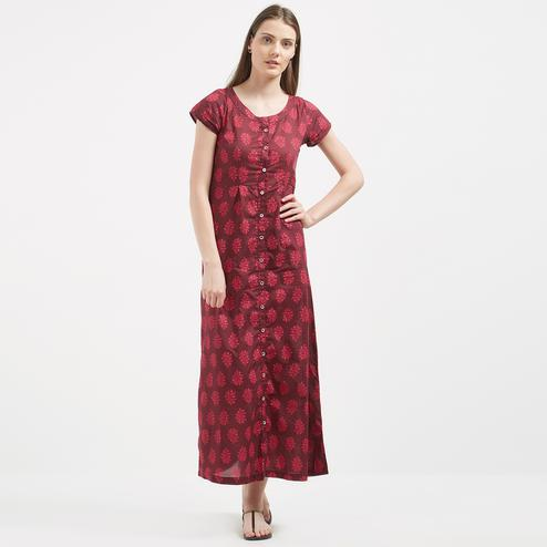 Ravishing Red Colored Printed Casual Wear Cotton Kurti