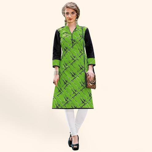 Refreshing Green Colored Casual Printed Jetpur Cotton Kurti