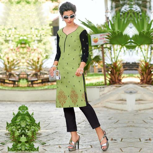 Lovely Green Colored Casual Printed Jetpur Cotton Kurti